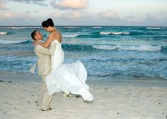This amazing international city has so much to offer. A #BeachWedding in #Miami is an unforgettable way to start your life together.