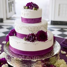 Layered cake - use blue or green ribbon and flowers