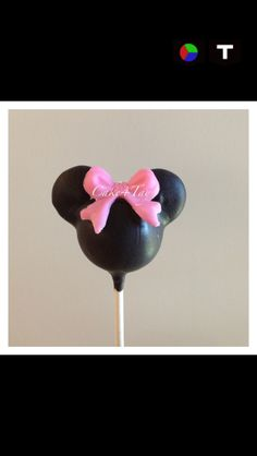 Minnie Mouse cake pop