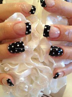 polka dots, polkadot, black polish, white polka, ring finger