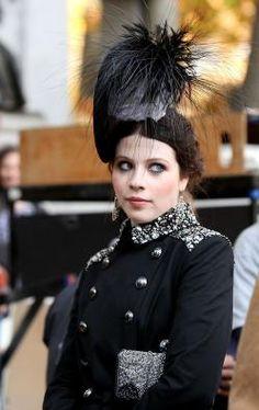 Georgina Sparks feather hat