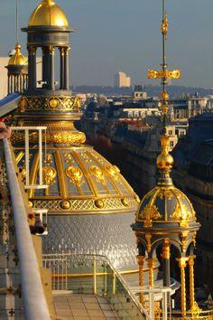 Paris. December 2009. By NikitaDB. Printemps.