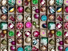 Vintage Baubles Roll Wrap   Ella Doran Design