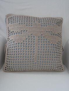 Filet crochet cushion