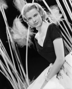 Grace Kelly. S)