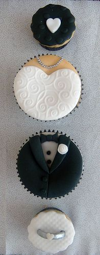 Classic Bride and Groom Wedding Cupcakes