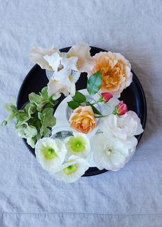 Steal This Look: Cocktail Floral Arrangement | Gardenista