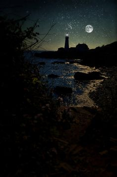 ✯ Portland Head Lighthouse with a moon behind