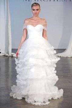 Shakira - Empire - Wedding Dress