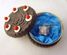 Cute Portal gift set <3 Actually, there's a lot of really cute nerdy things on this post~ :D