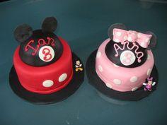 mickey/minnie cake, mickey and minnie twin cakes, little cakes, minni cake, mickey minnie cakes