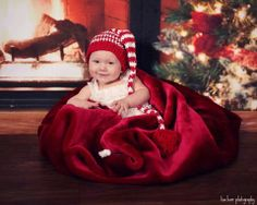 6 month holiday photography little girl lisa karr photography beloit wisconsin