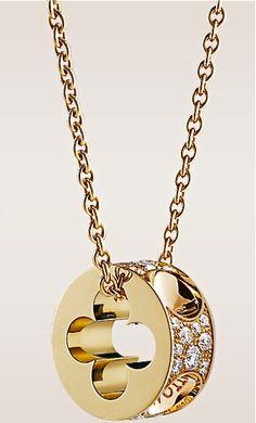 Louis Vuitton yellow gold pendant