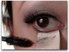 Smart! How to apply eye makeup without smudges!