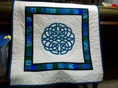 Aoife Celtic Knot Applique Quilt