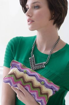 Bonbons Candy Color Crochet Clutch   Free Crochet Pattern