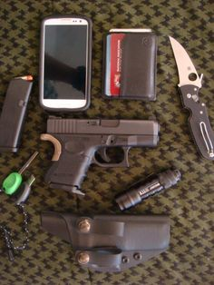 Every day carry (EDC)