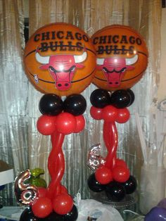 Balloons sports theme on pinterest soccer party balloon for Balloon decoration chicago