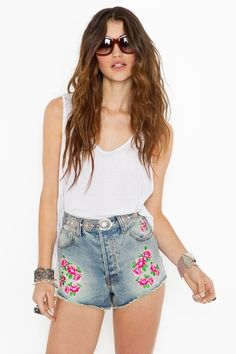 #DIY floral embroidery shorts