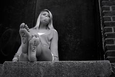 Senior picture idea- year written on foot or shoe. Did this for her summer/beginning of school shoot using flipflops!