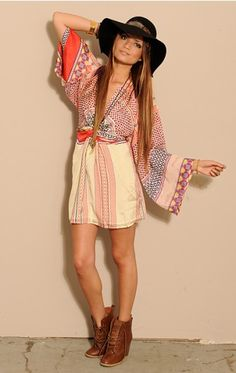 Issa London short kimono dress. I want to make one (or more of these).