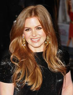 Prettiest hair color. Love Isla Fisher.