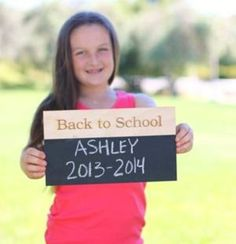 First day of school chalkboard >> Use it over and over again! #weePLAN