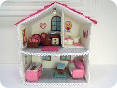 felt doll house by ivydesigns...