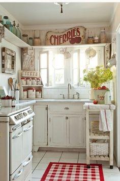 Ideas de como se puede organizar las cosas en una cocina pequeña.