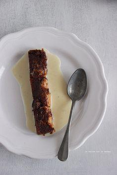 Brownies marbrés au beurre de cacahuètes, crème anglaise à la vanille