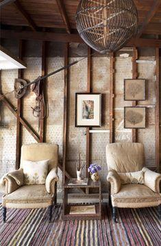 studio/garage - love the rug!
