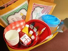 Literacy Picnic In the Classroom!  So cute- has freebies and anchor charts!