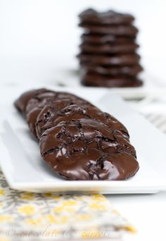 Flourless Fudge Chocolate Chip Cookies. I'm making these!