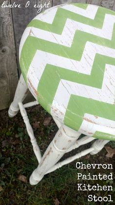 chevron patterns, picket fences, painted kitchens, kitchen stools, furniture makeover, home projects, diy furniture, bar stools, diy home