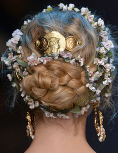 And the prettiest updo of all time goes to...