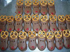Cute! Nutter Butter Christmas reindeer cookies