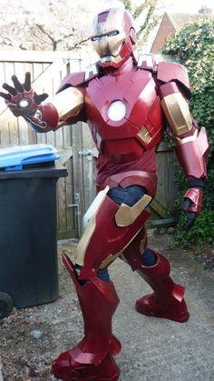 Teen's amazing DIY Iron Man suit is superhero chic.
