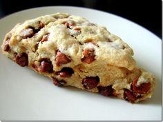 Cinnamon chip scones