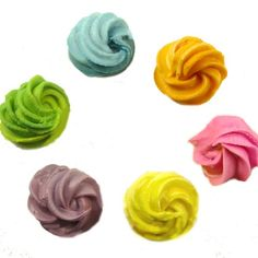 Organic food coloring for cake decorating.