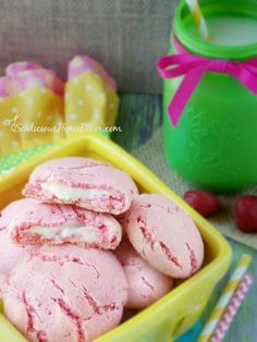An easy recipe for strawberry cookies with a pudding surprise!