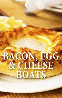 The Chew's Clinton Kelly shared ideas to help you throw the perfect brunch with his Bacon, Egg & Cheese Boats Recipe and an Ultimate Bloody Mary Bar. http://www.recapo.com/the-chew/the-chew-recipes/chew-bacon-egg-cheese-boats-recipe-ultimate-bloody-mary-bar/
