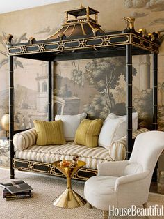 """Ceylon et Cie chinoiserie daybed — inspired by Thomas Chippendale's designs — and de Gournay's Early Views of India wallpaper are a """"theatrical nod to the Raj."""""""