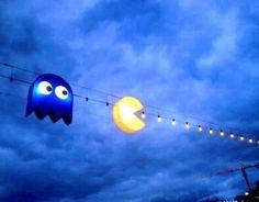 geek, pacman, pac man, christmas lights, string lights, light installation, street lights, parti, party lights