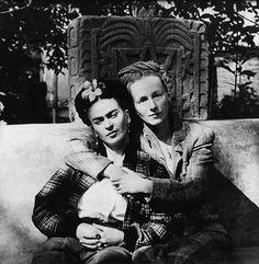 Frida Kahlo and Emmy Lou Packard, photo by Diego Rivera, 1941.