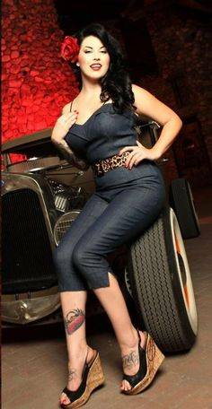 A reason I love rockabilly is that it goes back to the thought that curvy women were/are sexy. Stunning!!