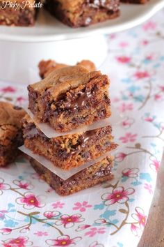 Vanilla Malted Chocolate Chip Cookie Bars Recipe - Picky Palate