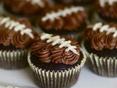 Sports Cakes: Baseball, Football Birthday Cakes - iVillage