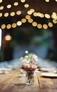 simple centerpieces and globe lights