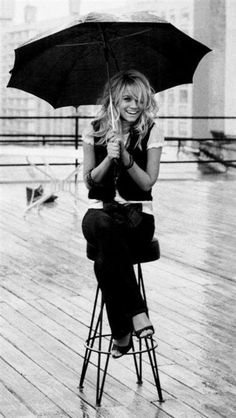 Ashley Olsen.. I grew up watching all of the Olsen movies.. Oh how do I miss those movies!