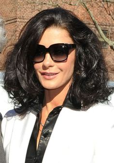 Catherine Zeta-Jones voluminous hairstyle